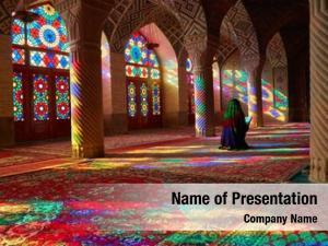 Woman young muslim praying nasir