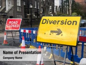 Road diversion arrow closed temporary