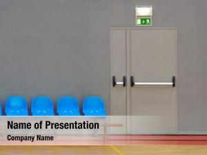 Door emergency exit next row
