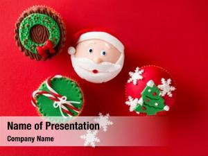 Cupcakes christmas theme traditional red