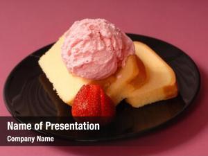 Strawberry pound cake ice cream