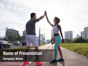 Couple congratulating powerpoint theme