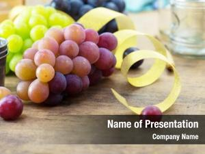 Grapes party table