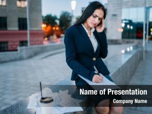 Works tired businesswoman outdoor, financial