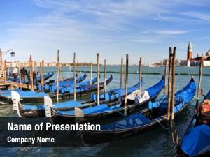 Venice gondola parking,