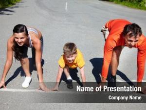 Standing family runners start line