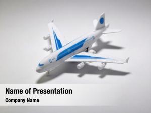 Air close toy plane
