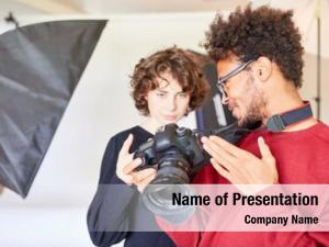 Assistant photographer photo reflex camera