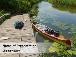 Touring canoe