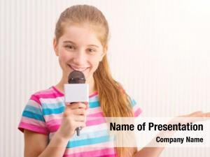 Blogger little female microphone