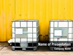 Container white ibc front yellow