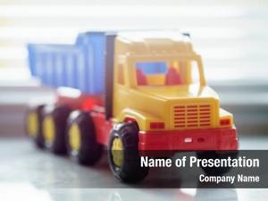 Toy ttipper truck