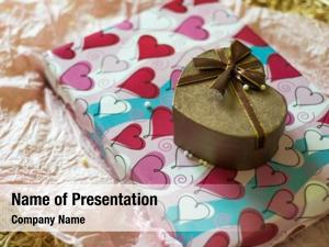 Wrapping paper heart shaped gift box