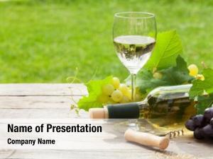 Wine white wine, bottle grape