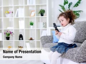 Using little girl smart phone