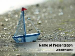 Seashore little yacht