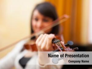 Play woman learning violin