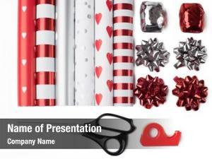 Scissors gift wrap