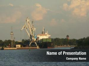 Vessel cranes shiping