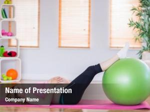 Doing pregnant woman exercise exercise
