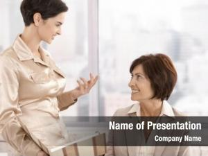 Discussion professional women office, working