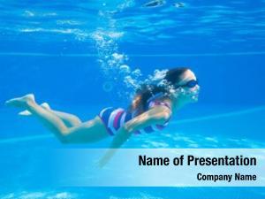 Deftly little girl swim underwater