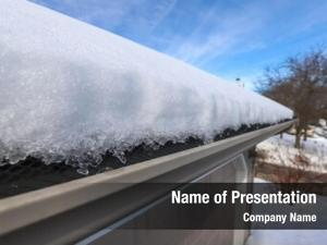 Roof heavy snow covering gutter