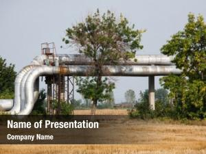 Pipelines oil metallic cultivated field