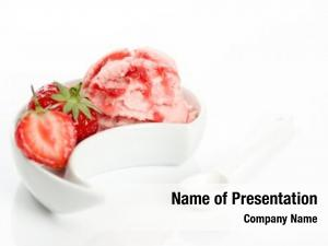 Cream strawberry ice drizzled sauce