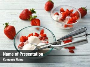 Strawberry bowl delicious ice cream scoop