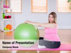 Doing pregnant woman exercise exercise