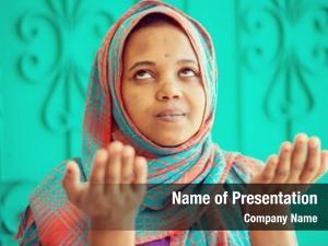 Girl african muslim praying