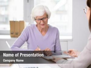 Putting senior client her signature