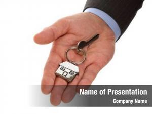 Giving estate agent house keys