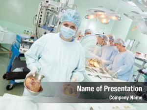 Perform team surgeon heart transplantation