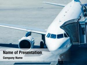 Prepares airlines plane passengers board